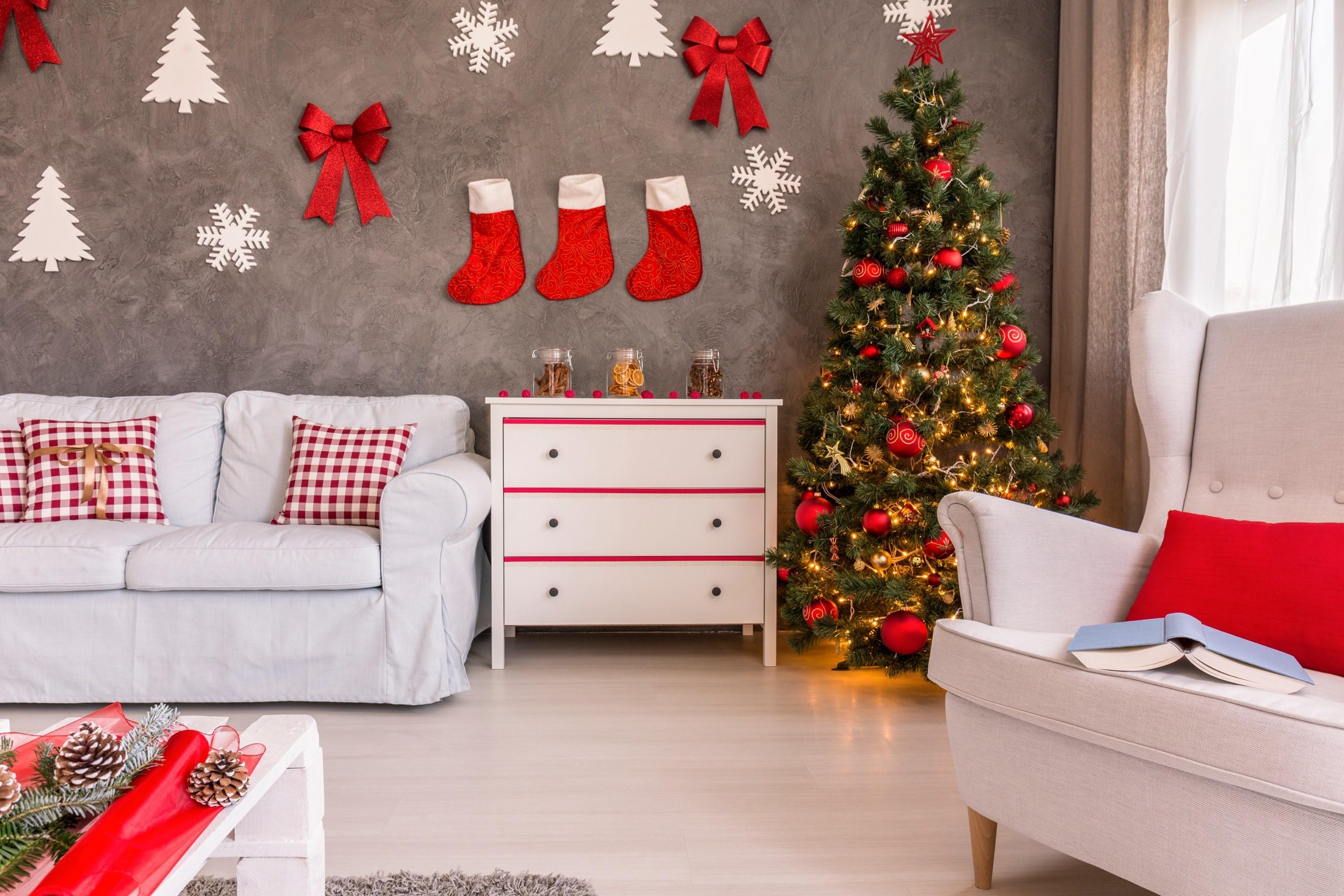 Árvore de Natal decorada: como planejar uma decoração original e criativa + passo a passo da montagem